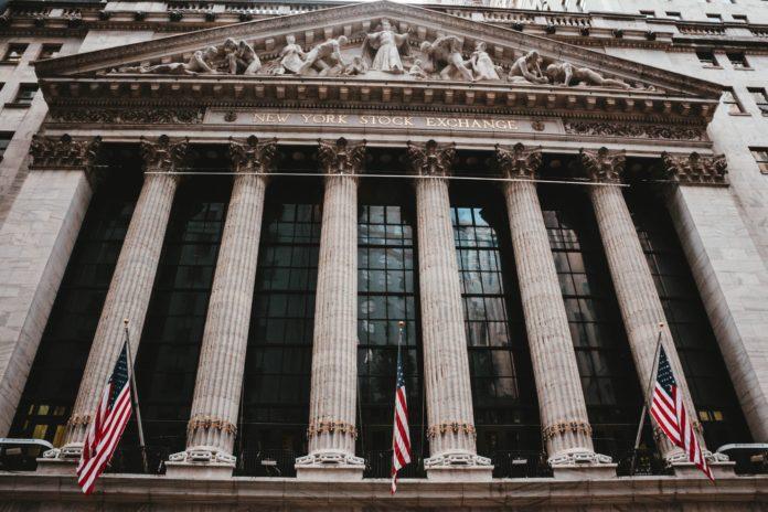 Krypto-Unternehmen flirten mit traditionellem Markt