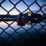 Tommy Robinson von PayPal blockiert, Bitcoin die Lösung