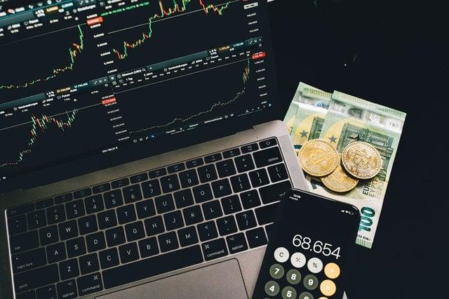 Bitcoin, laptop
