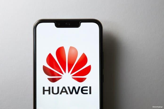 Huawei Smartphone und Logo