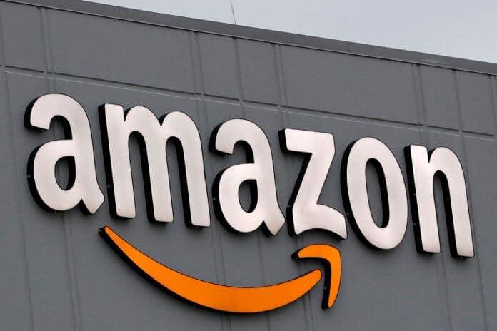Amazon Logo auf Gebäude (3)
