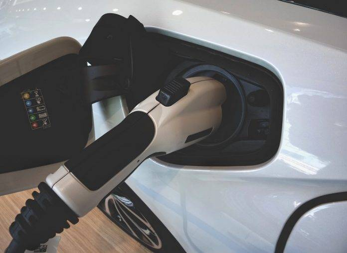 Lithium-Nachfrage und Umstieg auf Elektromobilität