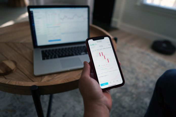 """Avatrade AvatradeGO App zur """"Besten Trading App 2021"""" gewählt"""