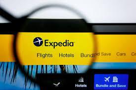 Expedia Webseite und Lupe